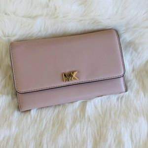 🌹🌸Michael Kors Medium Wallet Leather Soft Pink